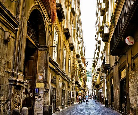 7 reasons to see Naples before you pass on